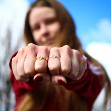 pierścionki srebrne pierścień benzenowy - biżuteria chemiczna