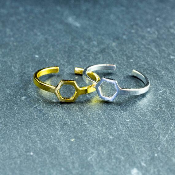 pierścienie benzenowe - pierścionki złote i srebrne - biżuteria chemiczna