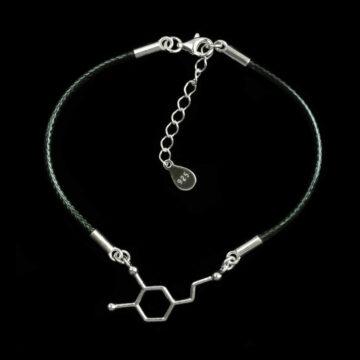 srebrna bransoletka damska na sznurku z wzorem serotoniny