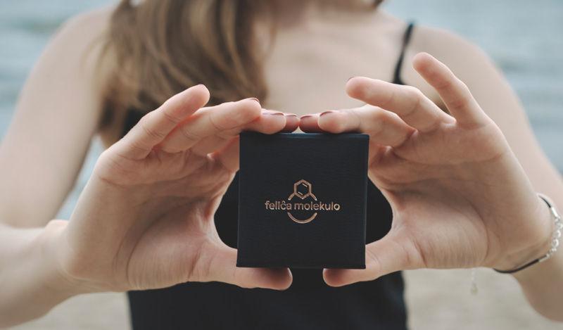 eleganckie pudełko na biżuterię felica molekulo