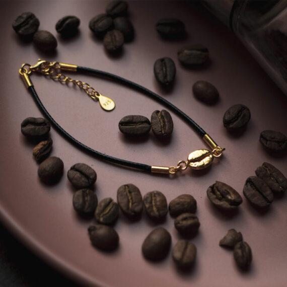 sznurkowa bransoletka z ziarnem kawy